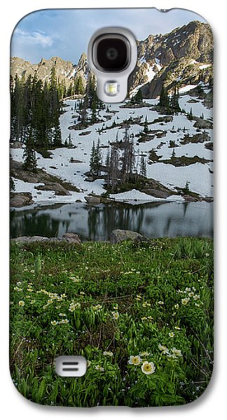 Galaxy S4 Case featuring the photograph Red Peak And Willow Lake by Aaron Spong