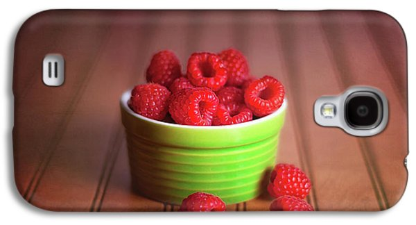 Red Raspberries Still Life Galaxy S4 Case by Tom Mc Nemar
