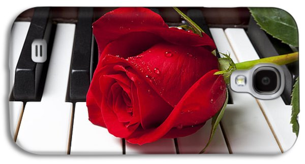 Red Rose On Piano Keys Galaxy S4 Case