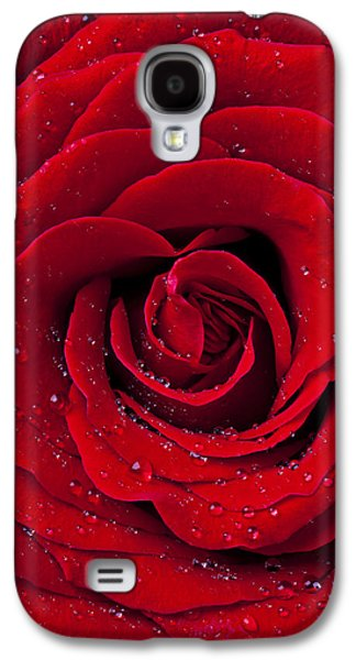 Red Rose With Dew Galaxy S4 Case by Garry Gay