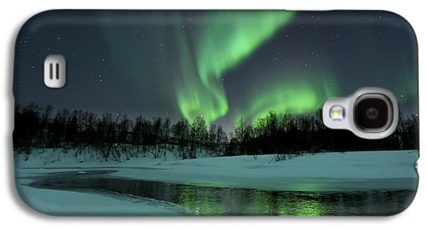 Nature Photographs Galaxy S4 Cases - Reflected Aurora Over A Frozen Laksa Galaxy S4 Case by Arild Heitmann