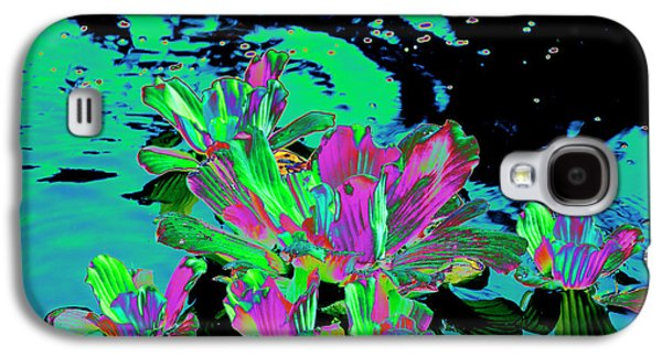 Reflexion Of Floating Flowers Galaxy S4 Case