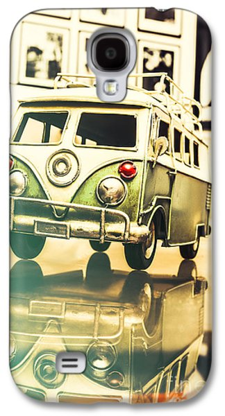Retro 60s Toy Van Galaxy S4 Case