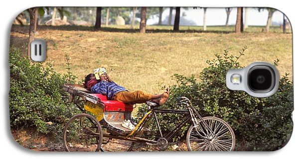 Rickshaw Rider Relaxing Galaxy S4 Case by Travel Pics