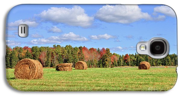 Rolls Of Hay On A Beautiful Day Galaxy S4 Case