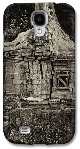 Galaxy S4 Case featuring the photograph Roots In Ruins 5, Ta Prohm, 2014 by Hitendra SINKAR