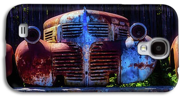 Rusted Out Old Cars Galaxy S4 Case by Garry Gay