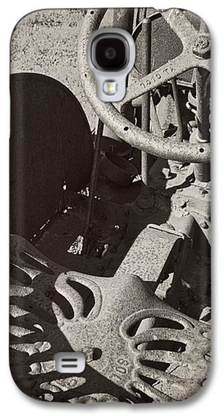 Galaxy S4 Case featuring the photograph Rusted Tractor by Michelle Calkins