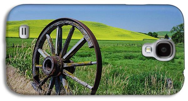 Rustic Wagon Wheel In The Palouse Galaxy S4 Case