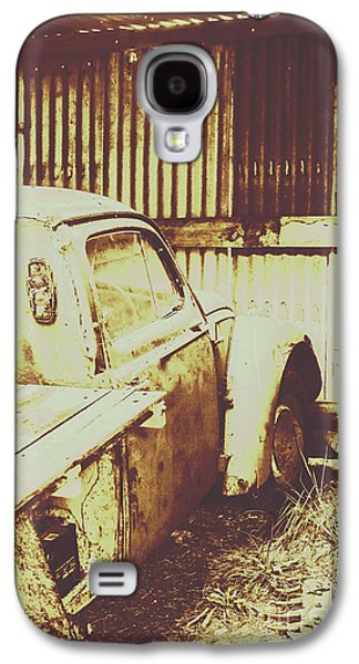 Truck Galaxy S4 Case - Rusty Pickup Garage by Jorgo Photography - Wall Art Gallery