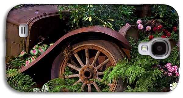 Rusty Truck In The Garden Galaxy S4 Case
