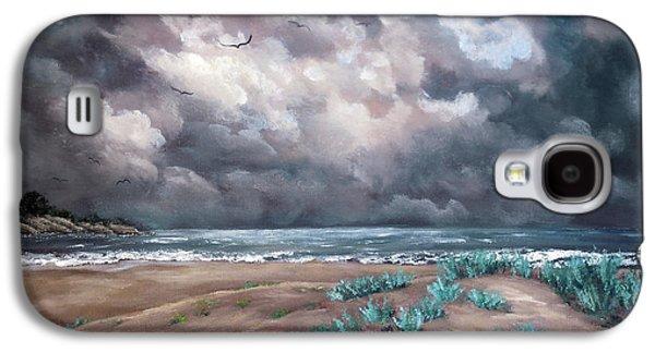 Sand Dunes Under Darkening Skies Galaxy S4 Case by Laura Iverson