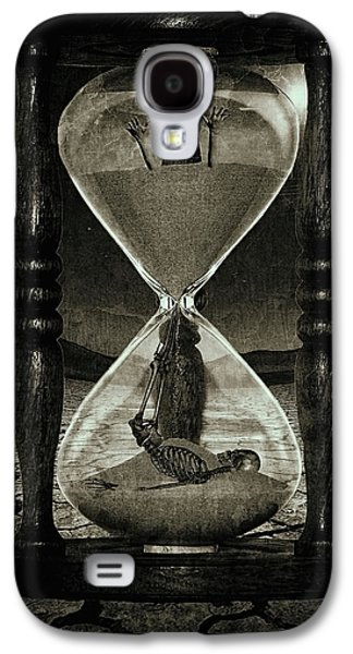 Sands Of Time ... Memento Mori - Monochrome Galaxy S4 Case