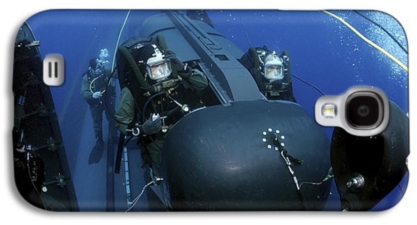 Training Photographs Galaxy S4 Cases - Seal Delivery Vehicle Team Members Galaxy S4 Case by Stocktrek Images