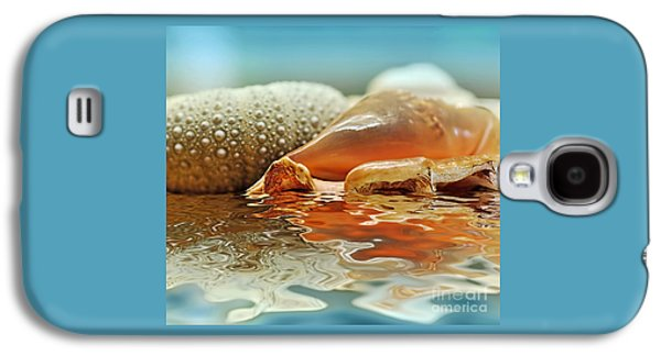 Seashell Reflections On Water Galaxy S4 Case by Kaye Menner
