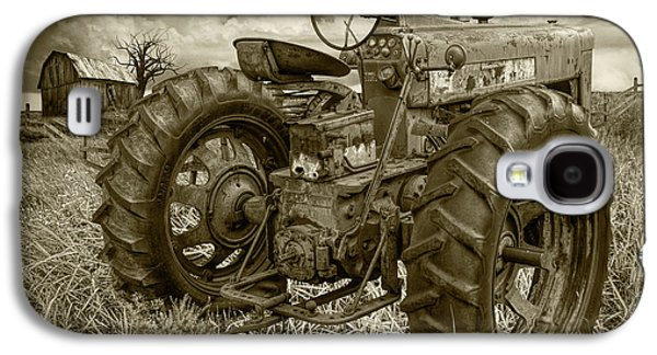 Sepia Toned Old Farmall Tractor In A Grassy Field Galaxy S4 Case