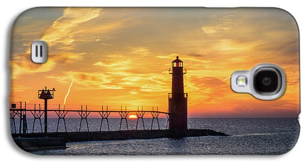 Galaxy S4 Case featuring the photograph Serious Sunrise by Bill Pevlor