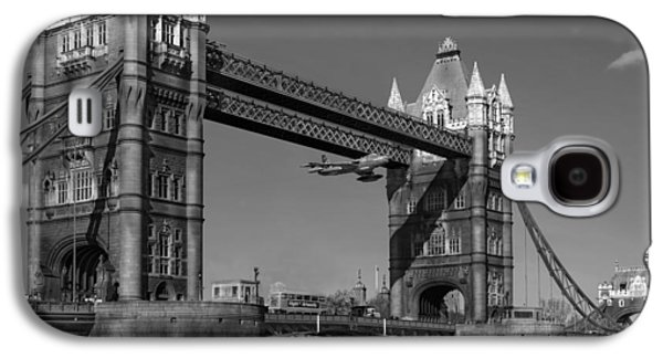 Galaxy S4 Case featuring the photograph Seven Seconds - The Tower Bridge Hawker Hunter Incident Bw Versio by Gary Eason