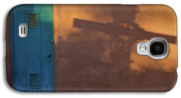 Shadows Adobe Wall Galaxy S4 Case by Steve Gadomski