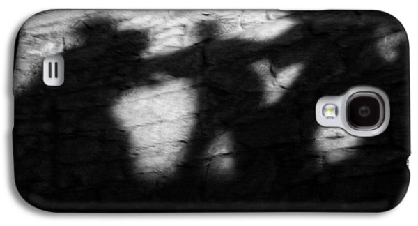 Shadows On The Wall Of Edinburgh Castle  Galaxy S4 Case by Christine Till