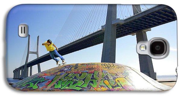 Action Photographs Galaxy S4 Cases - Skate Under Bridge Galaxy S4 Case by Carlos Caetano