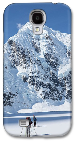 Skiers And Shadows Galaxy S4 Case by Tim Grams