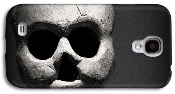 Smithsonian Museum Galaxy S4 Case - Skull by Joseph Skompski