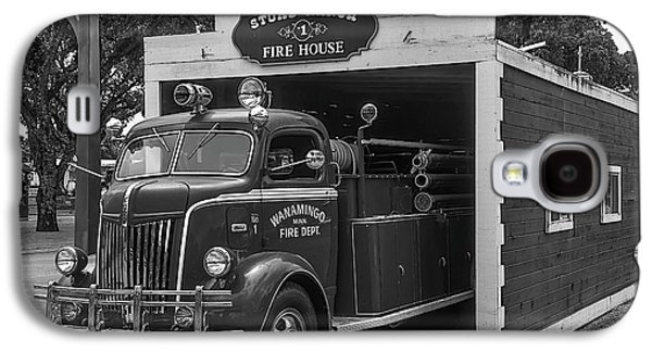 Small Fire House Galaxy S4 Case by Garry Gay
