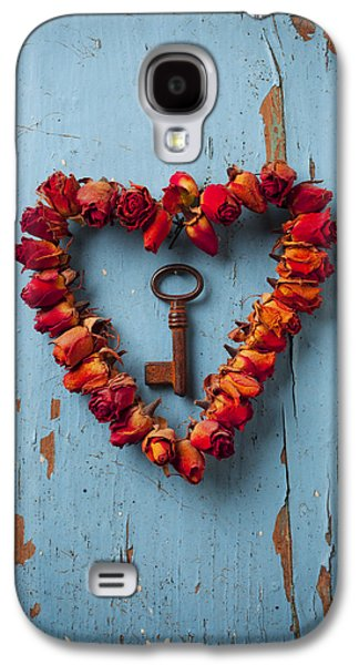 Rose Galaxy S4 Case - Small Rose Heart Wreath With Key by Garry Gay