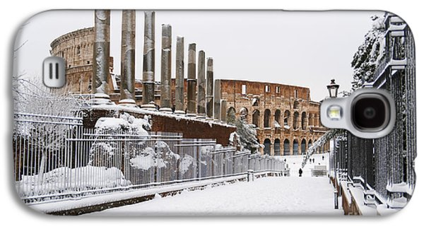 Snow At The Colosseum Galaxy S4 Case by Stefano Senise