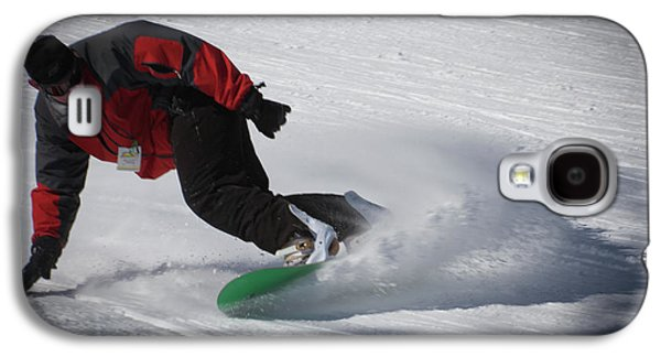 Galaxy S4 Case featuring the photograph Snowboarder On Mccauley by David Patterson