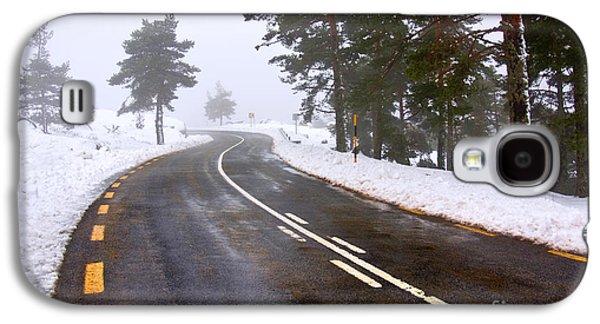 Snowy Road Galaxy S4 Case by Carlos Caetano