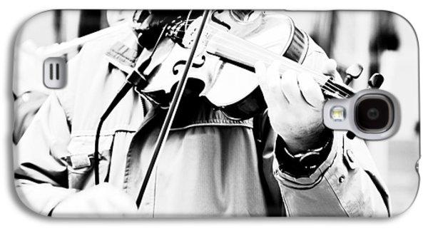 Violin Galaxy S4 Case - Sounds Of A Stranger by Gabriela Insuratelu