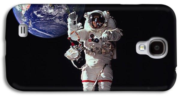 Spacewalk Earth Galaxy S4 Case by Daniel Hagerman