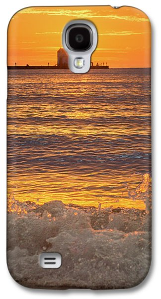 Galaxy S4 Case featuring the photograph Splash Of Light by Bill Pevlor