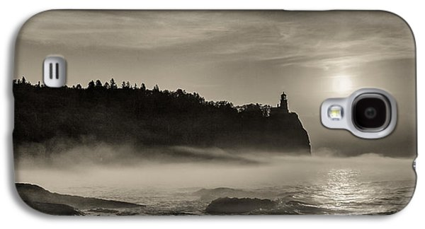 Galaxy S4 Case featuring the photograph Split Rock Lighthouse Emerging Fog by Rikk Flohr