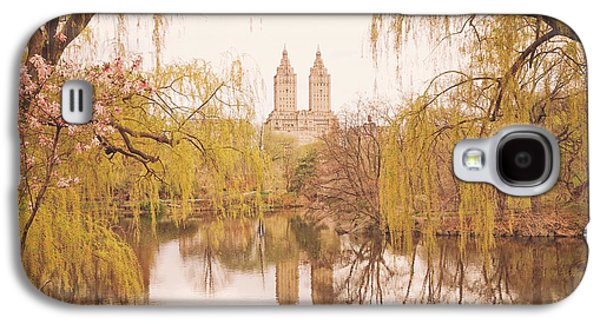 Spring In Central Park Galaxy S4 Case by Vivienne Gucwa