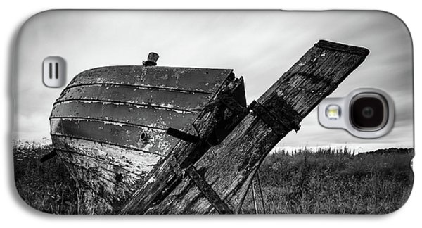 St Cyrus Wreck Galaxy S4 Case by Dave Bowman