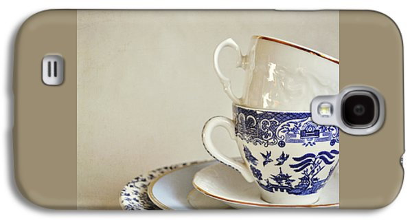 Stacked Blue And White China Cups And Saucers. Galaxy S4 Case by Lyn Randle