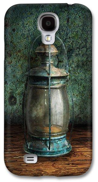 Steampunk - An Old Lantern Galaxy S4 Case by Mike Savad