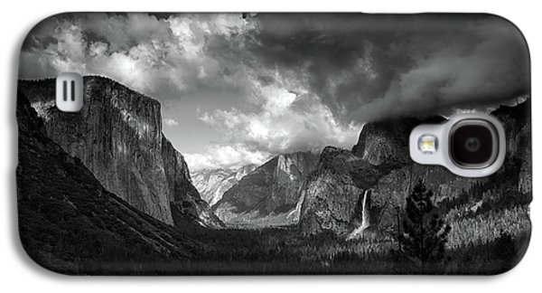Storm Arrives In The Yosemite Valley Galaxy S4 Case
