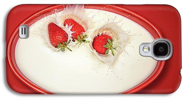 Strawberries Splashing In Milk Galaxy S4 Case