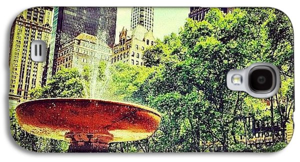 Summer In Bryant Park Galaxy S4 Case
