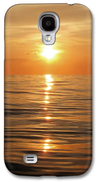 Sun Setting Over Calm Waters Galaxy S4 Case by Nicklas Gustafsson