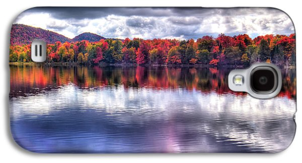 Galaxy S4 Case featuring the photograph Sun Streaks On West Lake by David Patterson