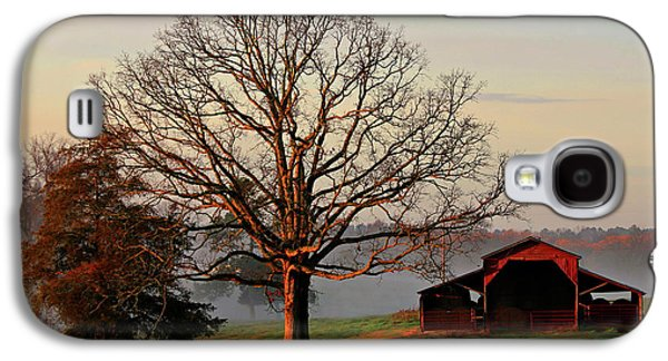 Sunrise Oak Red Barn Misty Morning Galaxy S4 Case