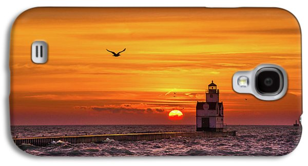 Galaxy S4 Case featuring the photograph Sunrise Solo by Bill Pevlor
