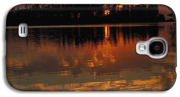 Sunset Behind The Trees On A Lake Galaxy S4 Case by Gillham Studios