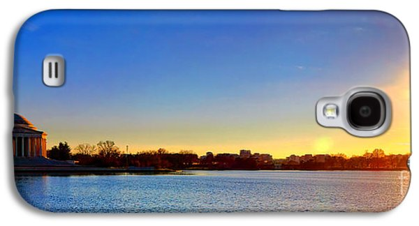 Sunset Over The Jefferson Memorial  Galaxy S4 Case by Olivier Le Queinec