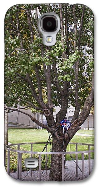 Survivor Tree Galaxy S4 Case by Teresa Mucha